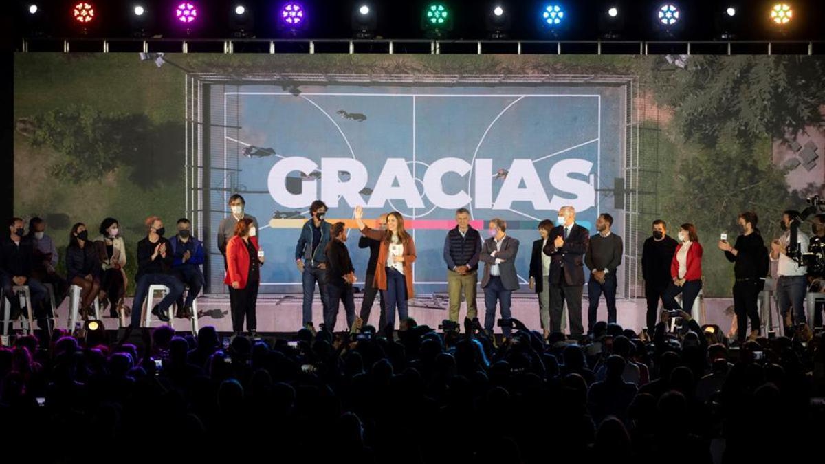 Vidal, en el centro del escenario de Costa Salguero, en la celebración de Juntos por el Cambio.
