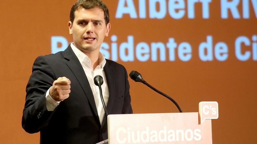 """Rivera (C's) afirma que Puigdemont y Rajoy están obligados a buscar un """"espacio común"""""""
