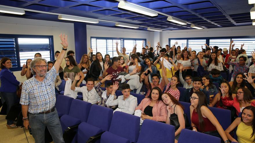 Encuentro de centros que han participado en 'Ayudantes TIC'