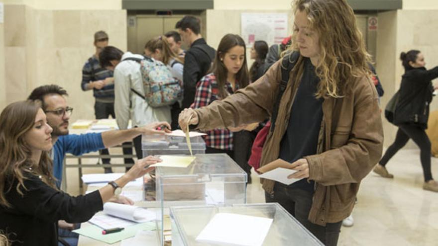 En las elecciones se han elegido a 75 representantes de los estudiantes
