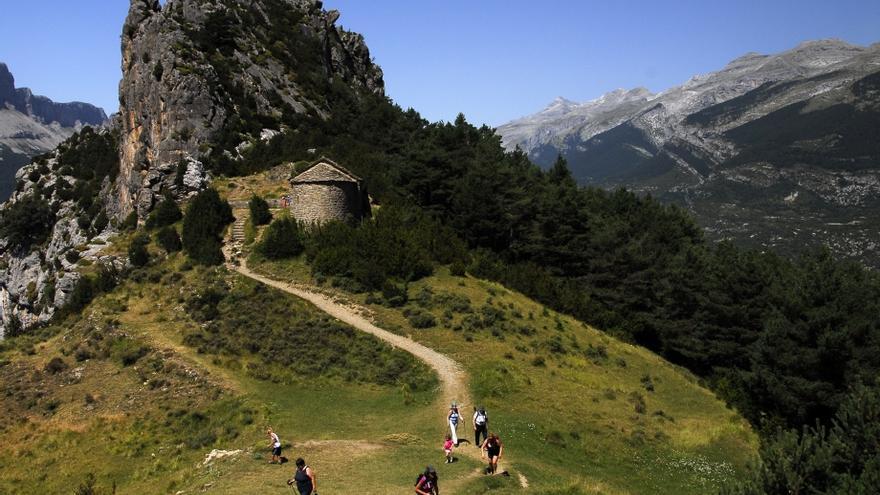 El Parque Nacional de Ordesa y Monte Perdido retoma las rutas guiadas por las ermitas de Tella con motivo del Centenario
