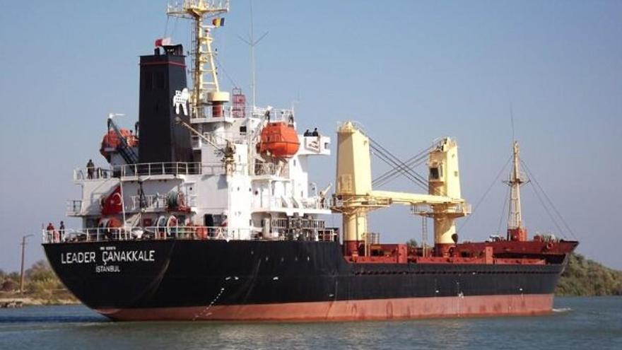 El Leader Canakkale, el buque que atracó en el Puerto de Las Palmas con harina de pescado este viernes.