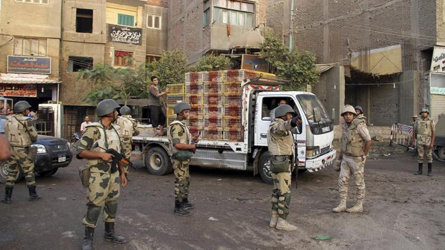 Mueren 9 supuestos terroristas en tiroteo con la policía al oeste de El Cairo