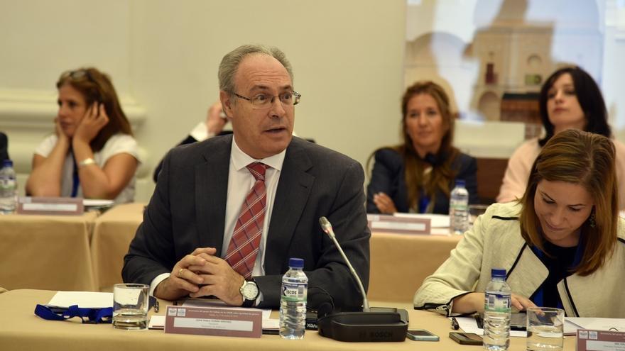Juan Pablo Durán, presidente del Parlamento andaluz, elegido por unanimidad presidente de la Calre para 2017