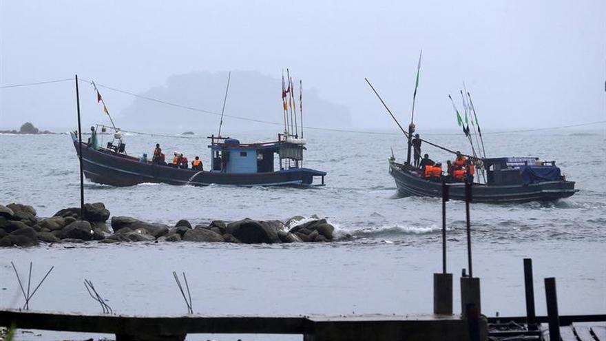 Birmania atribuye al mal tiempo el accidente de un avión que causó 122 muertos
