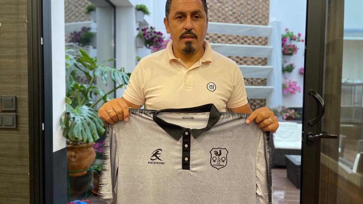 Ariel Montenegro con la camiseta del Pozoalbense