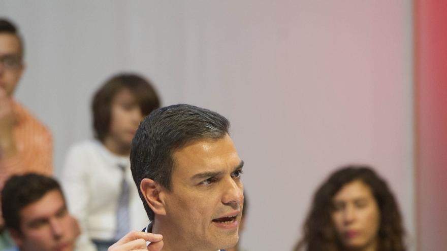 PSOE mantiene que su enemigo es el PP, pero afilará sus ataques a la nueva coalición, que ve de extrema izquierda