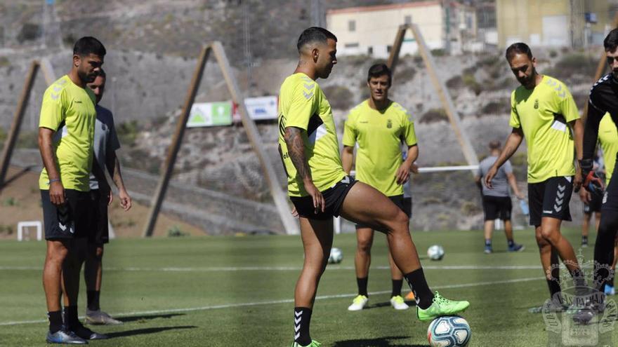 Entrenamiento previo al duelo de los amarillos frente al Girona