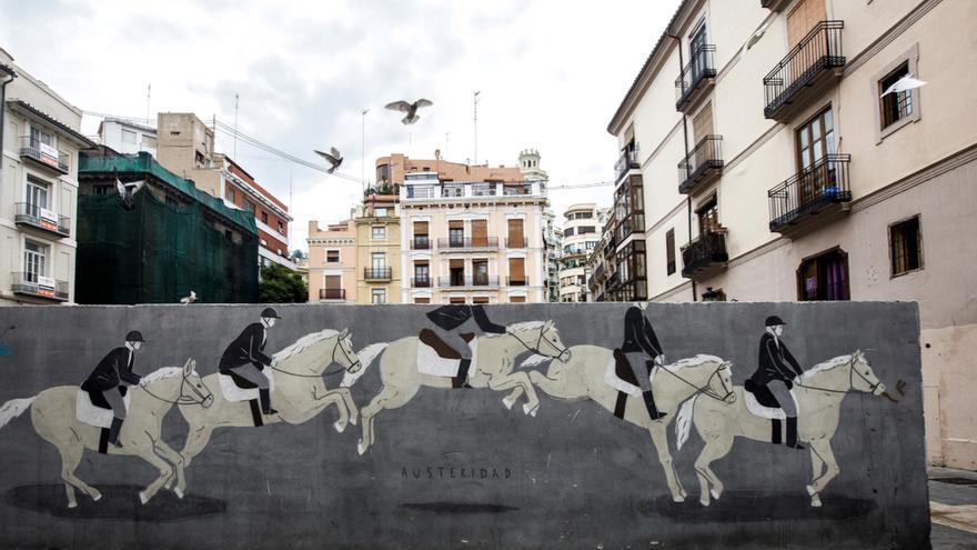 Muro artístico incluido en la guía
