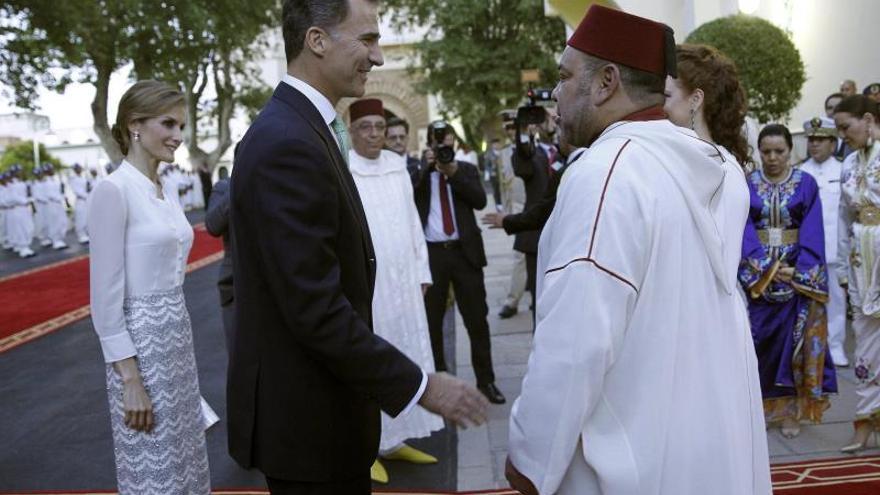 Felipe VI viaja de nuevo a Marruecos mientras Madrid espera a Mohamed VI