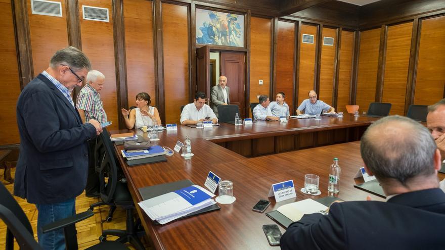 Asamblea de Alcaldes celebrada en el Cabildo de Gran Canaria