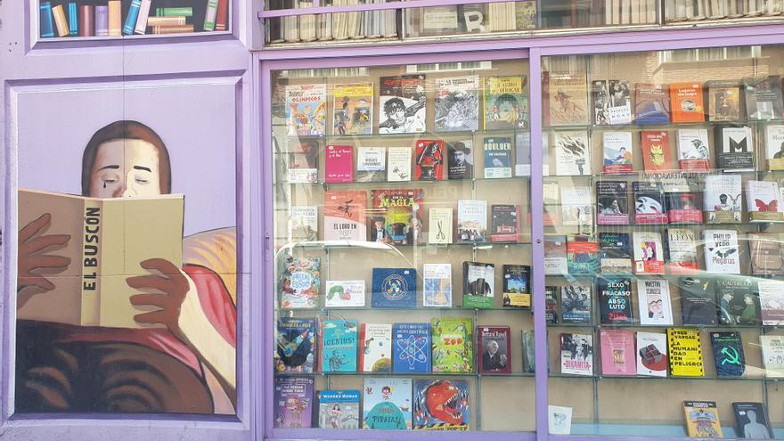 Escaparate de la librería El Buscón.