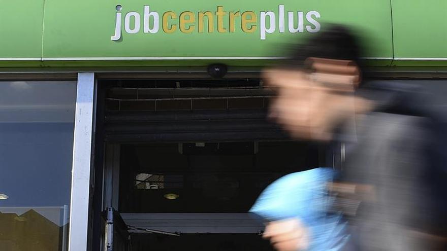 El paro británico cae al 4,3 %, la cifra más baja desde 1975