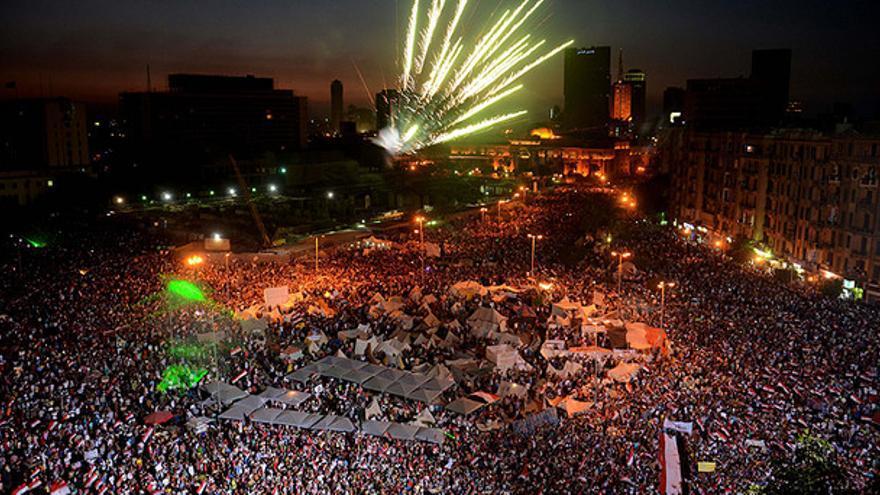 La plaza Tahrir tras el discurso del general Al Sisi, en el que anunciaba el derrocamiento del gobierno de Morsi (Efe)