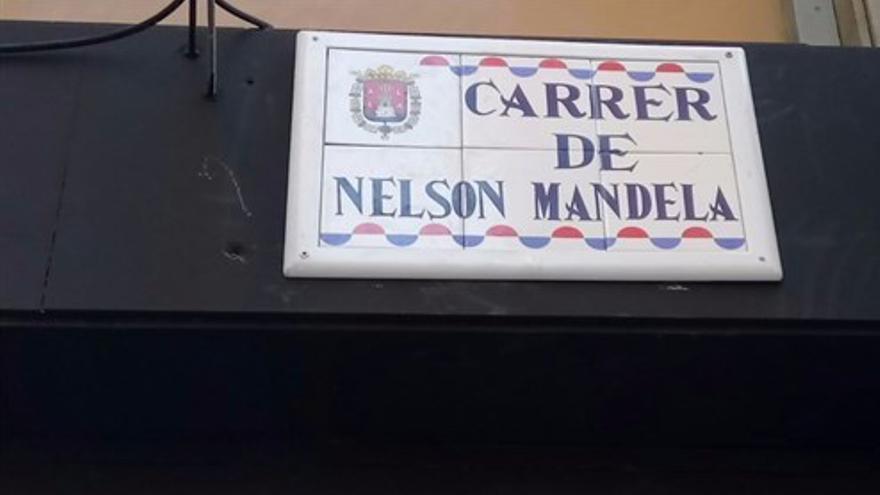 La placa de la calle Nelson Mandela