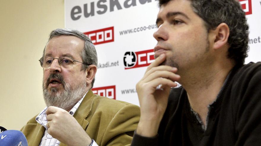 A la izquierda, el exsecretario general de la Federación de Comercio y Hostelería de CCOO, Javier González. EFE
