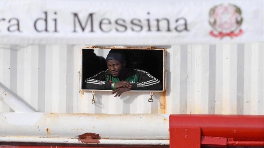 Ocean Viking arrives at Sicilian port of Messina with 182 migrants on board