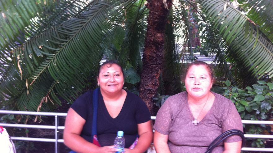 Las Patronas de Veracruz ayudan a los inmigrantes que cruzan México encima de 'La Bestia'