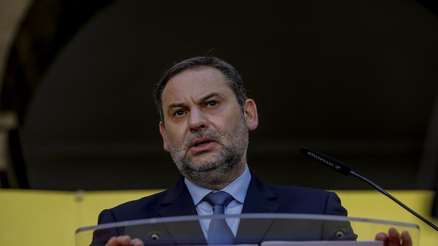 El ministro de Transportes, José Luis Ábalos, interviene en la presentación del proyecto de mejora funcional y de la seguridad vial de la A-7