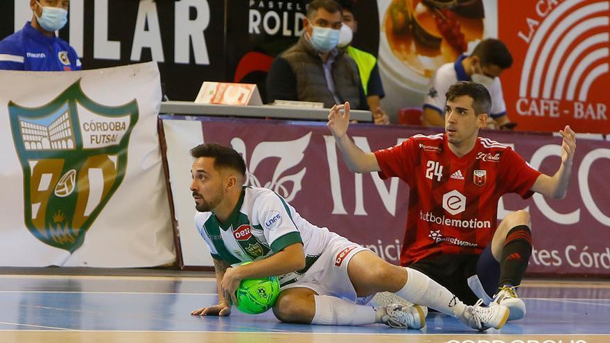 Jesulito, ante el Fútbol Emotion Zaragoza en Vista Alegre