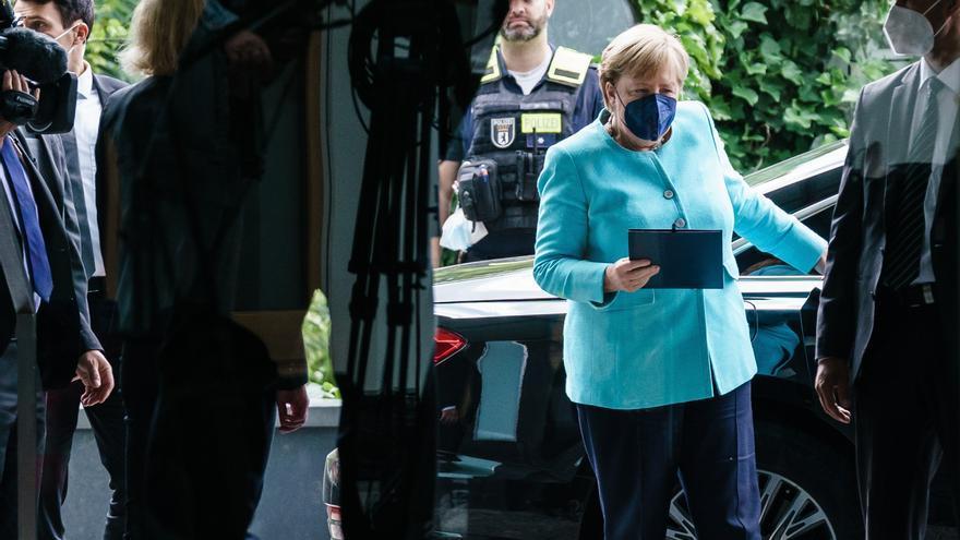 """Merkel alerta contra el """"preocupante"""" y continuado aumento de los contagios"""