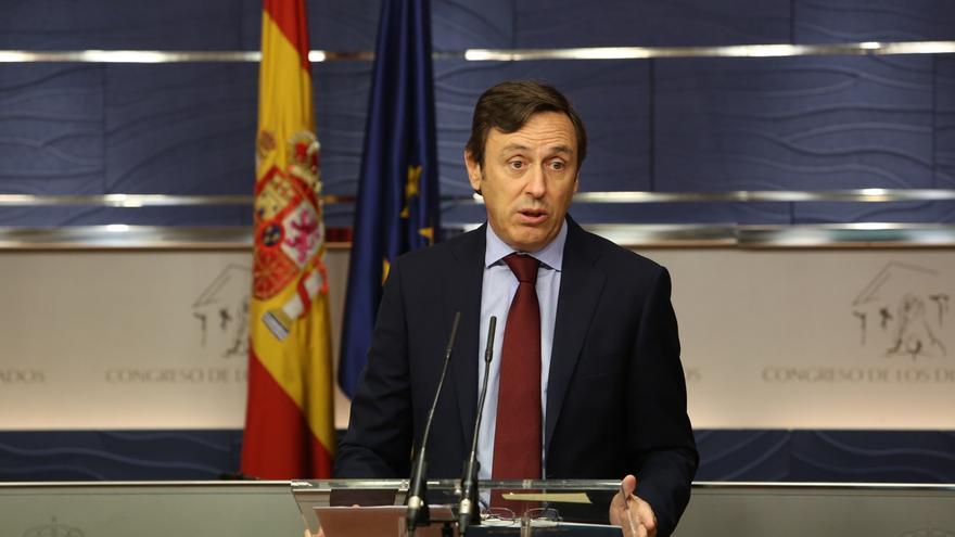 El PP quiere compromisos más allá de la investidura y promete ayudar al PSOE a cambiar de opinión sobre Rajoy