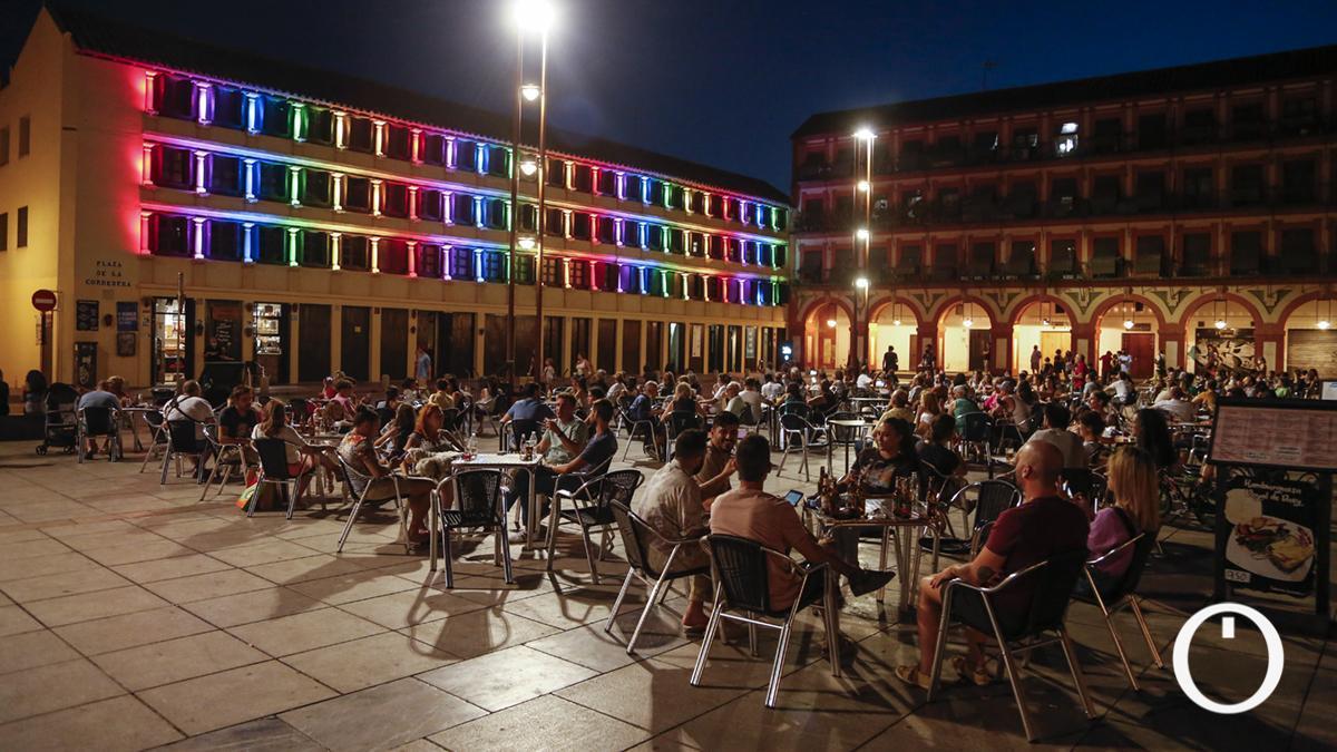 Show de luces en La Corredera en homenaje al Festival de la Guitarra