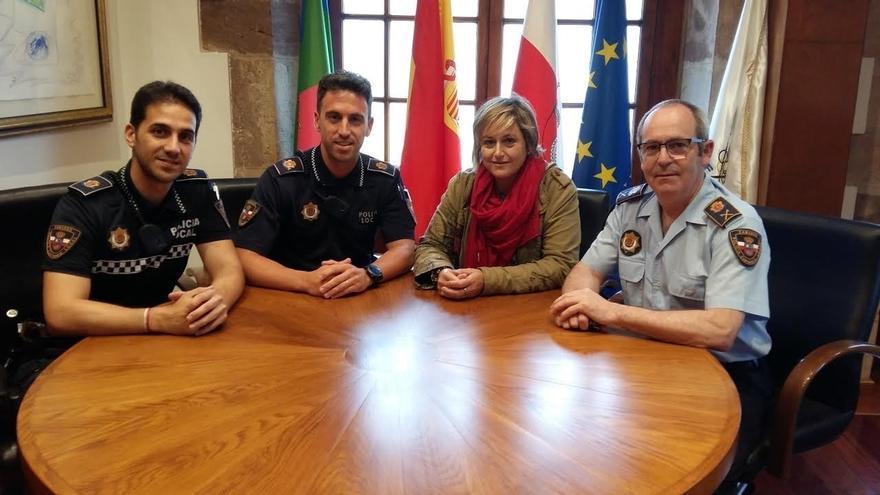 Bolado felicita a dos policías locales que localizaron al presunto autor de un intento de agresión sexual