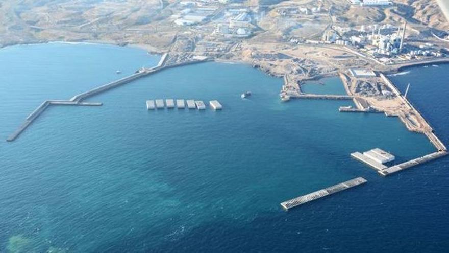 Puerto de Granadilla, hoy en fase de construcción, en una imagen de archivo
