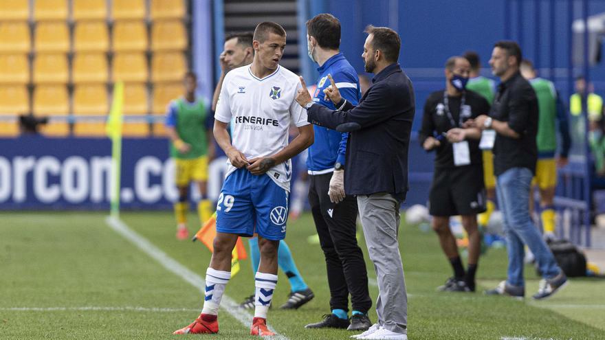"""Fran Fernández: """"Nos hace falta ganar para que los jugadores se suelten"""""""