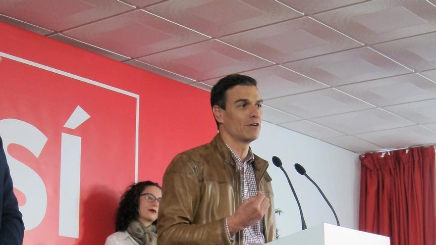 """Pedro Sánchez pregunta a Rajoy cuándo asumirá """"responsabilidades políticas"""""""