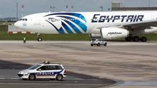 Egipto confirma el hallazgo de restos humanos durante la búsqueda del avión siniestrado