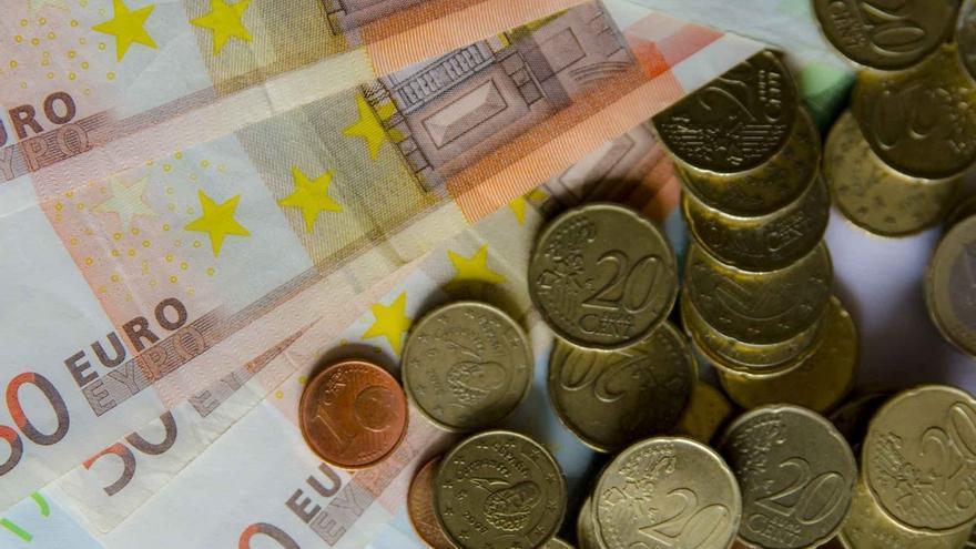 El salario bruto medio mensual en Cantabria en 2015 se sitúa en 1.855 euros, 38 menos que la media española