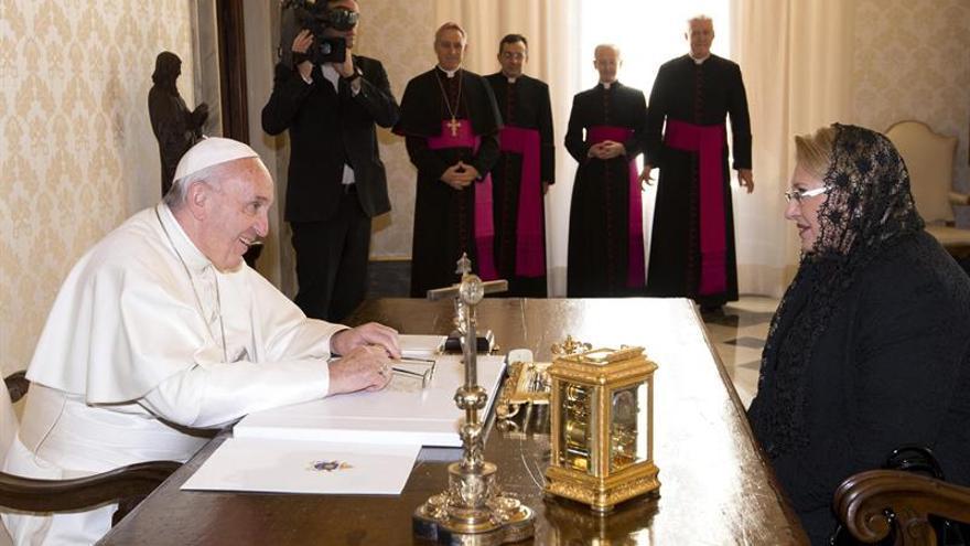 El Papa y la presidenta de Malta hablan sobre inmigración en el Mediterráneo
