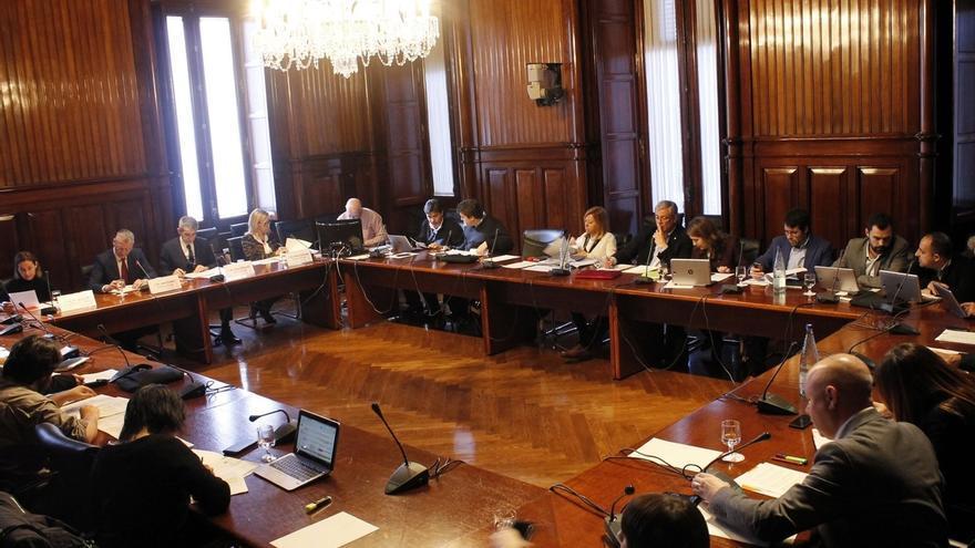 El Parlament rechaza propuestas de C's y PP para respetar la Constitución y contra la secesión