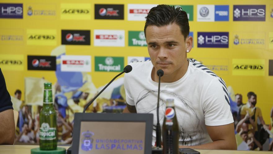 Roque Mesa durante la rueda de prensa en el estadio de Gran Canaria tras el entrenamiento
