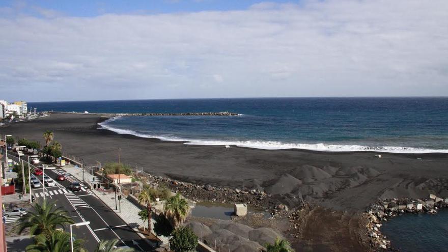 Panorámica de la playa de Santa Cruz de La Palma.