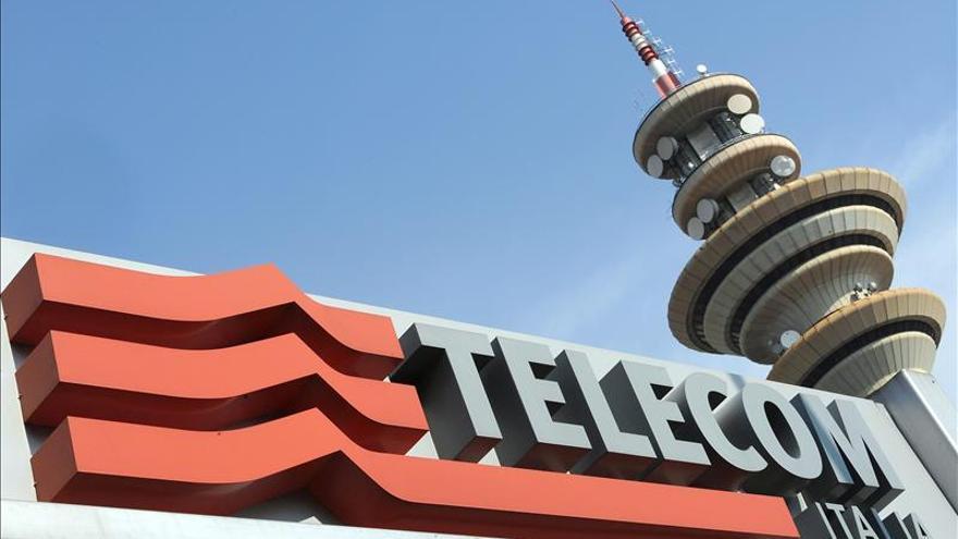 Telecom firma la venta de su filial argentina a Fintech por 960 millones dólares