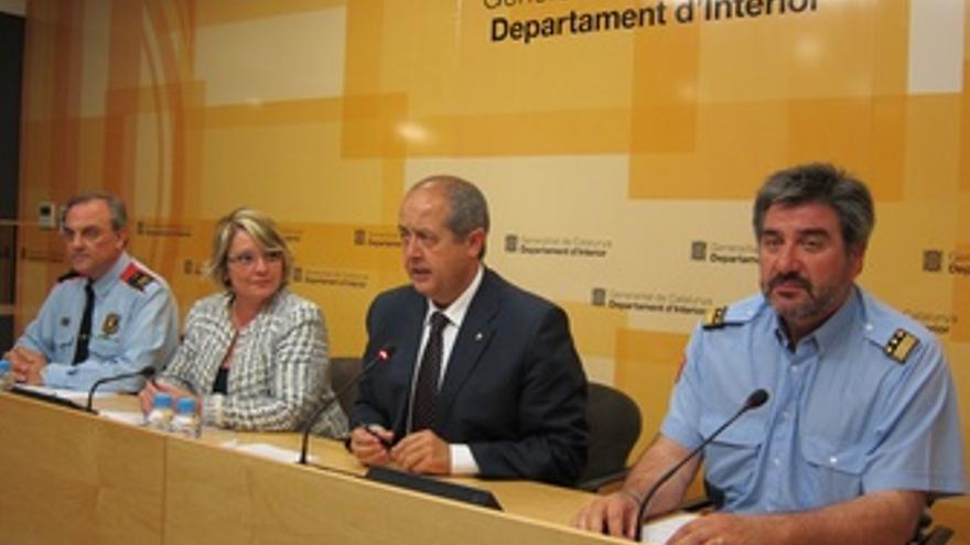 El Conseller De Interior, Felip Puig, En Rueda De Prensa
