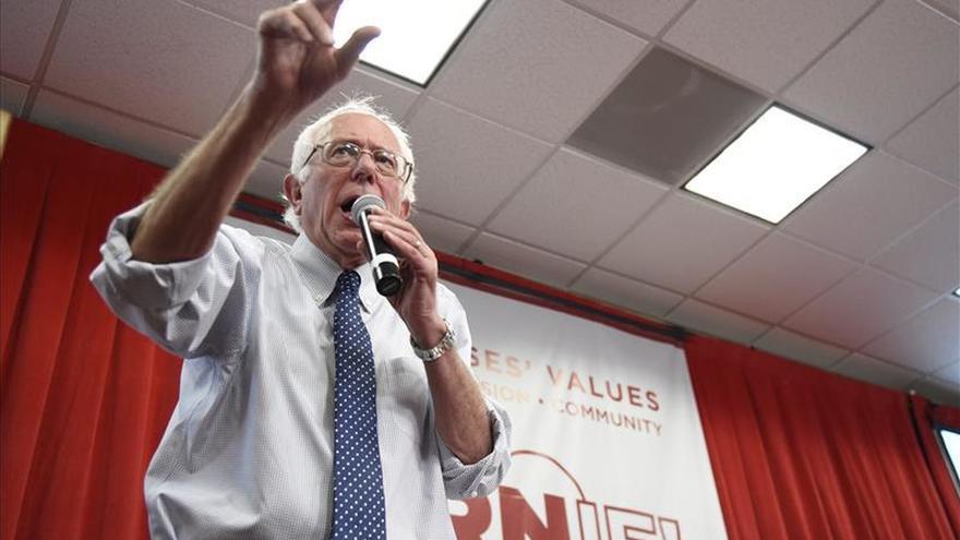 """Bernie Sanders define su """"socialismo demócrata"""" como vía a un EEUU más justo"""