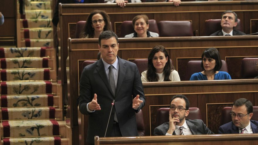 """Sánchez cree que el PSOE """"hace bien en enmendar errores"""", aunque entiende que a Rajoy no le guste"""