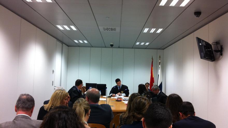 Audiencia previa del primer juicio de víctimas del JK5022 contra Mapfre, en Mercantil 1 de Las Palmas de Gran Canaria.
