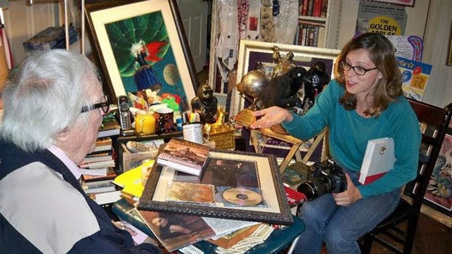 Rachel Bloom reunida con Ray Bradbury. (Cedida a Canarias Ahora)