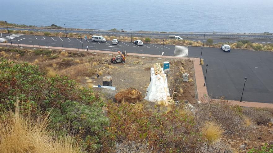 En la imagen, inicio de las obras este viernes en la parcela de La Grama.