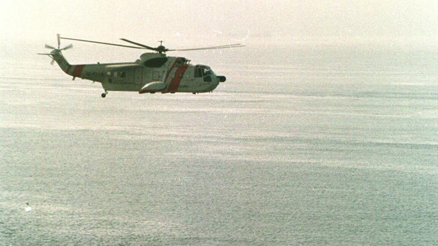 La Armada colombiana rescata a 5 ocupantes del helicóptero que cayó en el Caribe