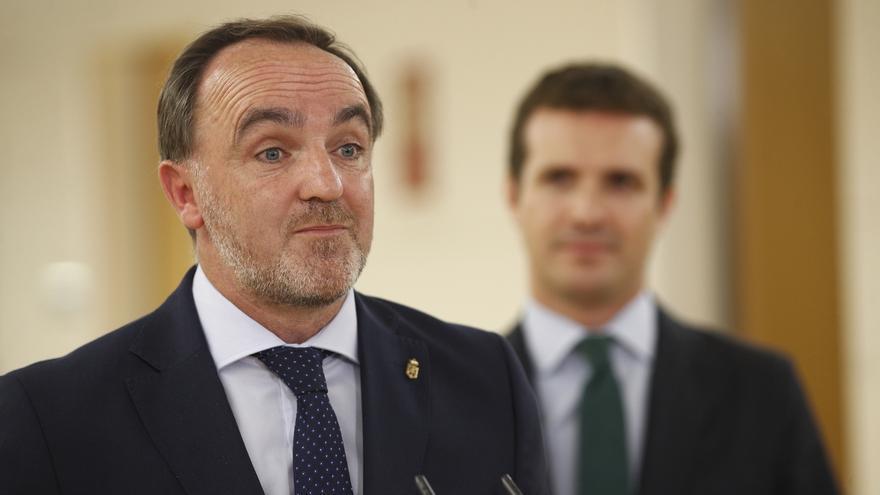 UPN se ofrece a abstenerse en la investidura si Sánchez renuncia a gobernar Navarra gracias a Bildu, como piden PP y Cs