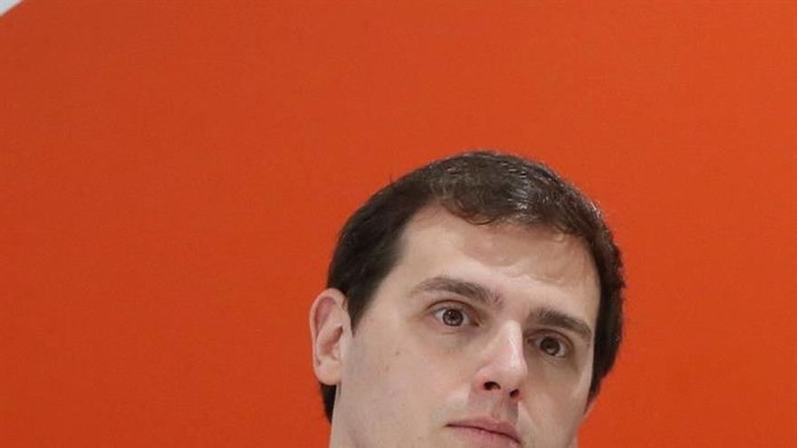 """Rivera muestra su alegría porque """"el futuro pinta naranja"""" en Madrid"""