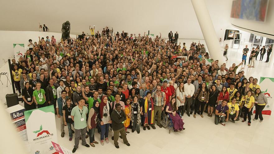 Foto grupal Wikimanía 2015 (CC) Wikipedia