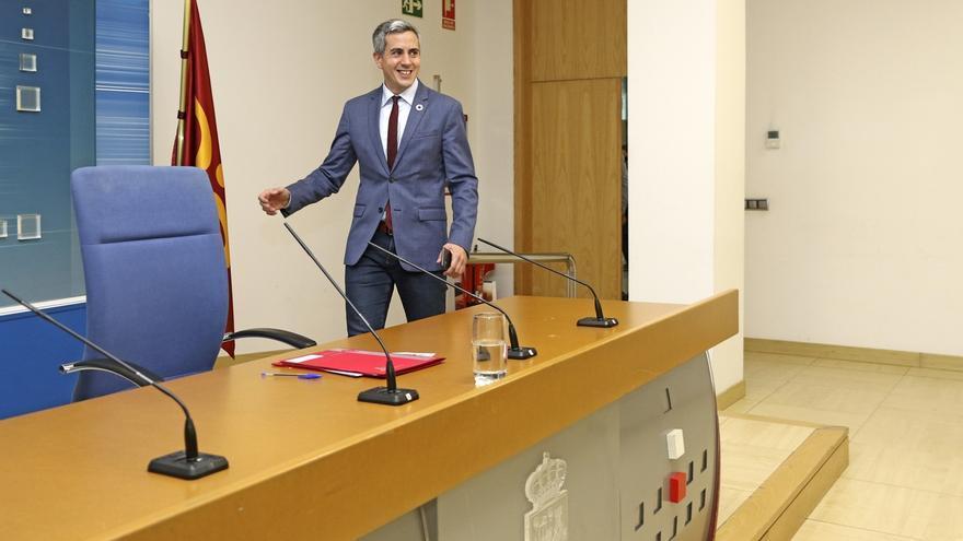 El Gobierno aprueba destinar 8,1 millones al suministro de prótesis de cadera y 410.000 euros a la UIMP