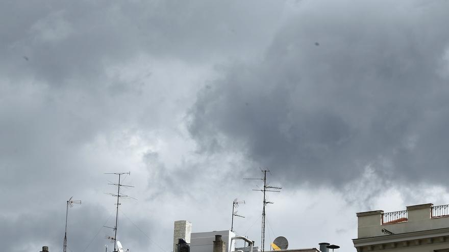 Nubes, lluvias y descenso de las temperaturas para el comienzo de la semana
